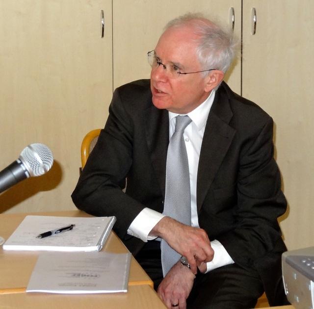 Dr. Aaron RHODES erläutert seine Prioritäten als der neue Präsident von FOREF Europa