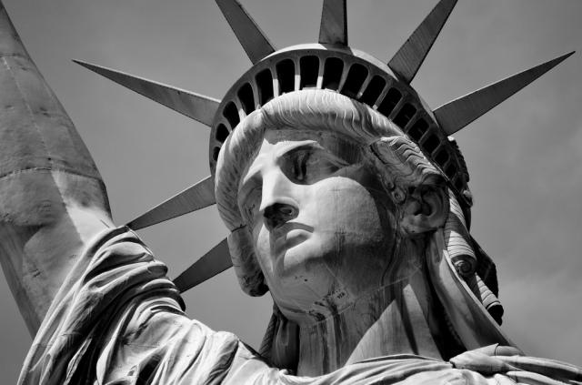statue liberty bw